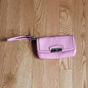 Coach beautiful pink leather clutch